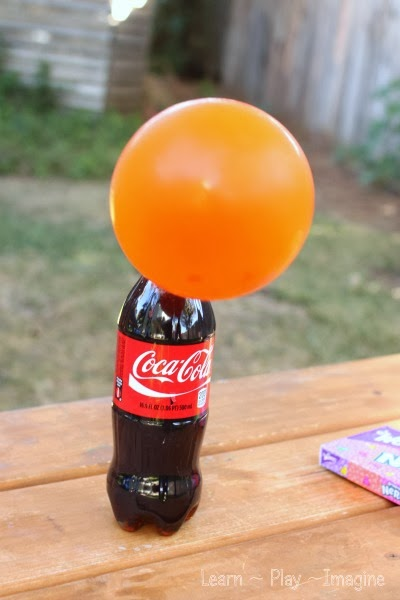 Did you know you can use soda to blow up balloons?  This is the coolest science experiment ever!