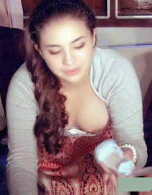 Foto HOT : Ngintip Puting Susu Manohara (1)