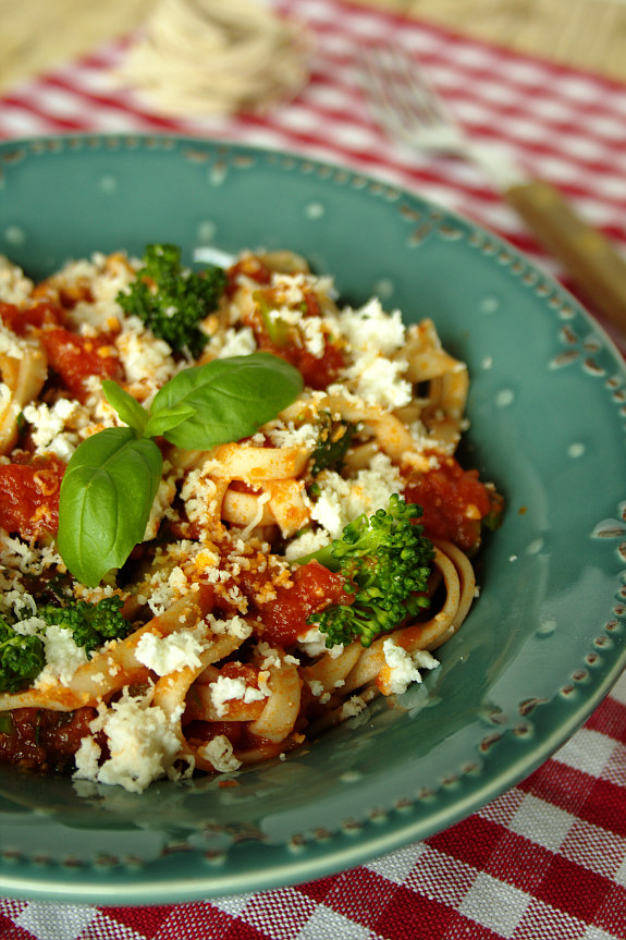 Tagliatelle de quinoa com bróculos