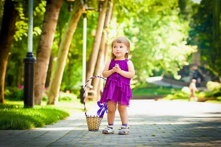 innocent-girl-with-purple-frock