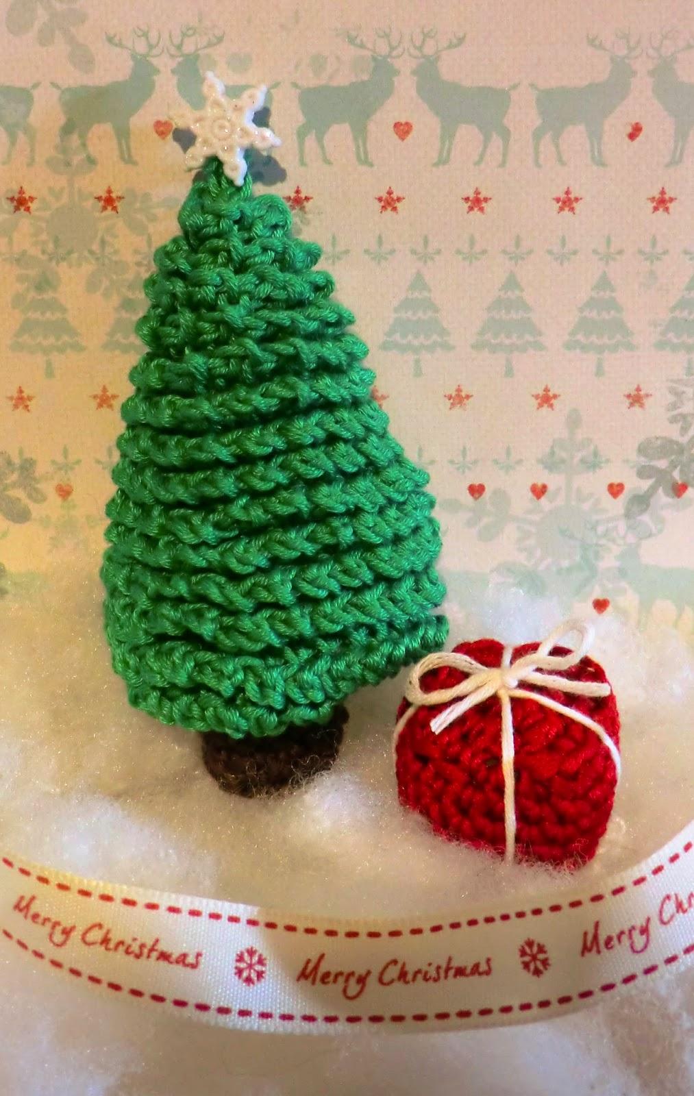Amigurumi Christmas Tree Free Pattern : Amigurumi barmy advent calender