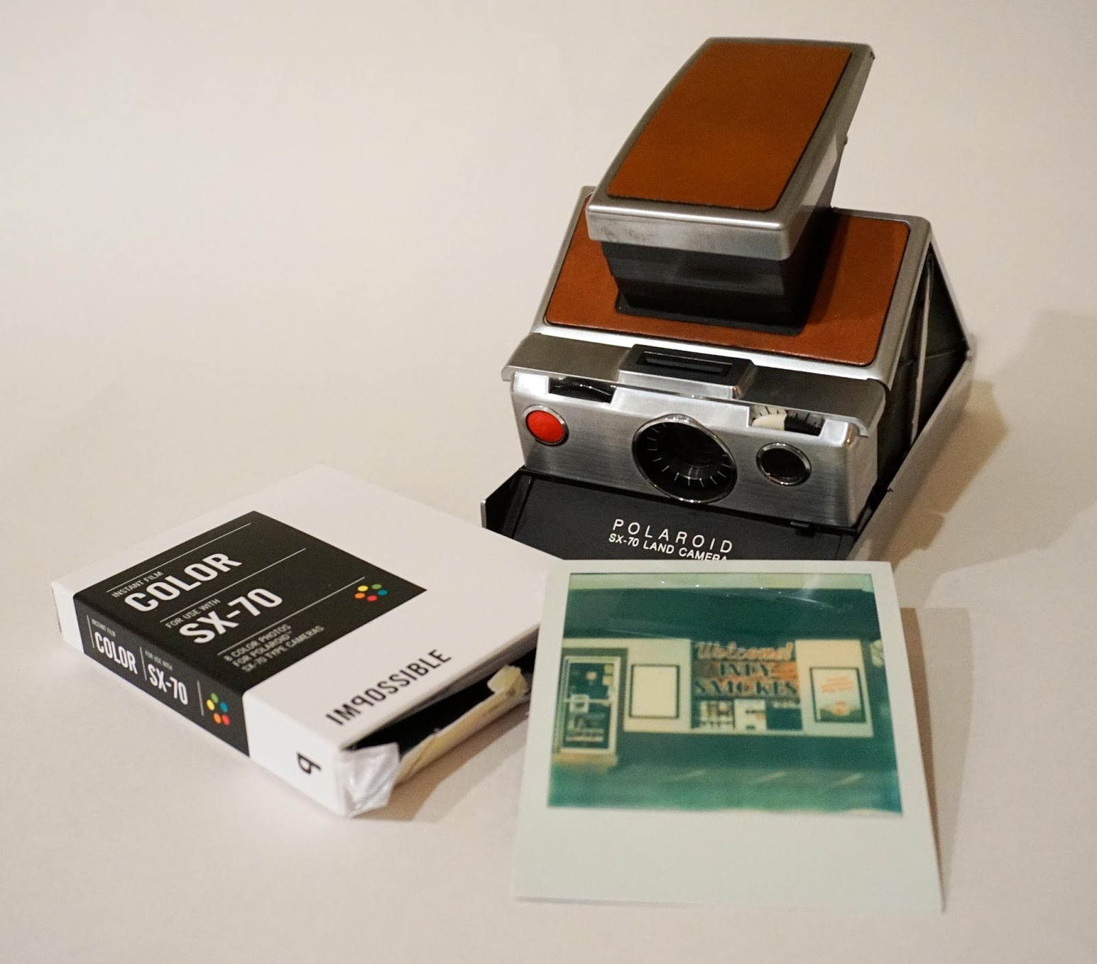 Can Polaroid 600 film be used in a SX-70 camera? | Yahoo ...