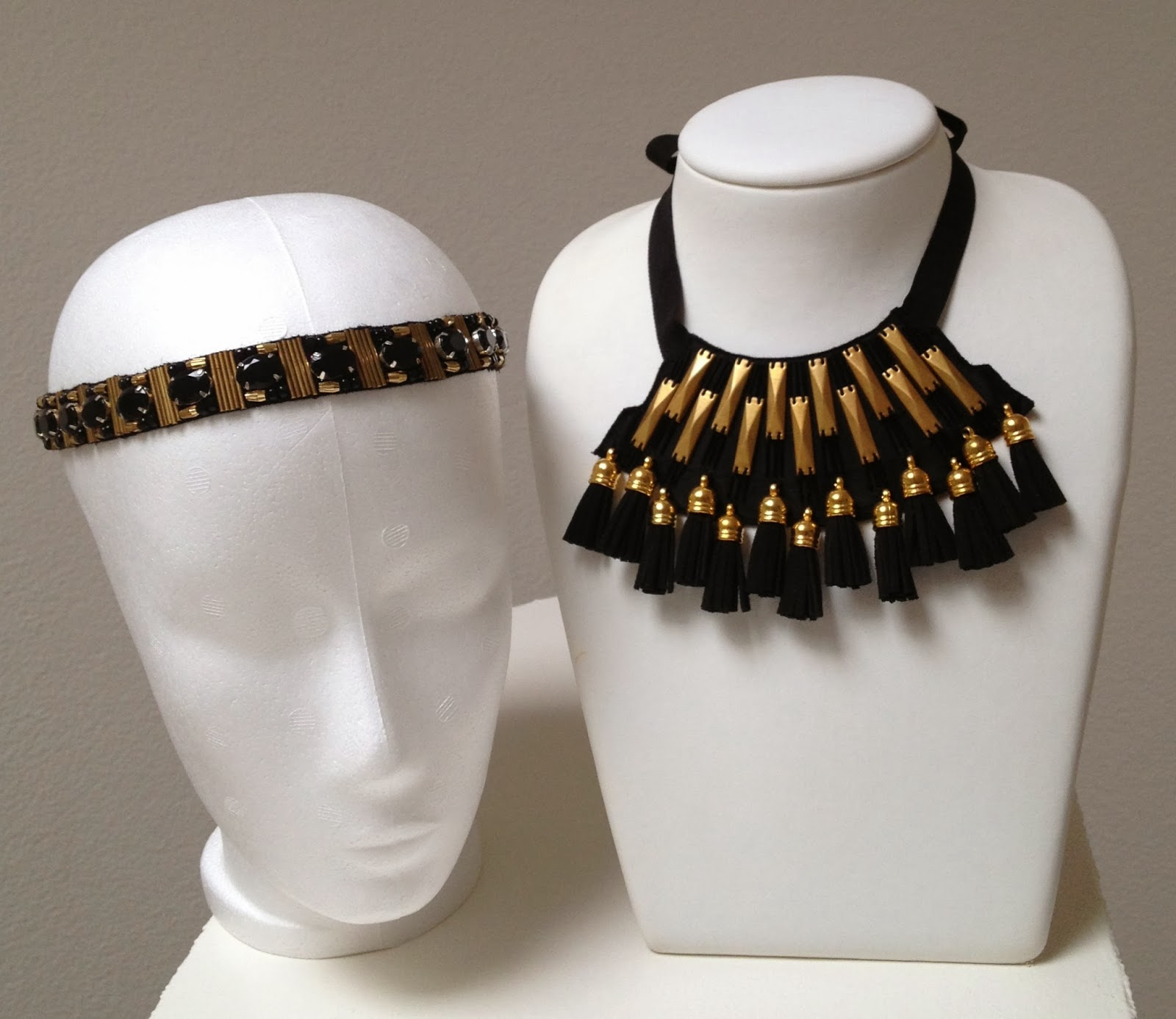 Statment necklace gold and black