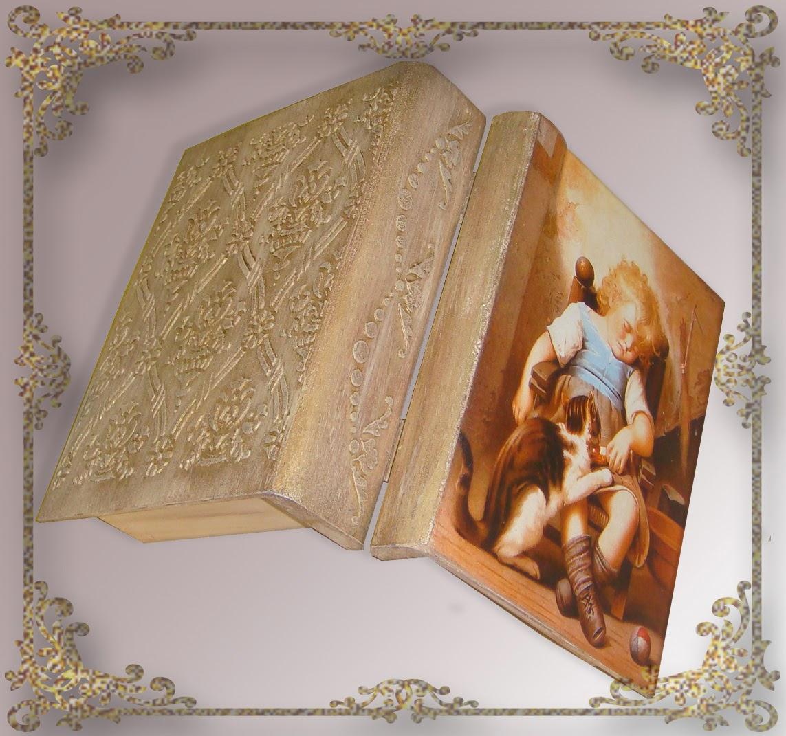 Книга-шкатулка с объемным декором