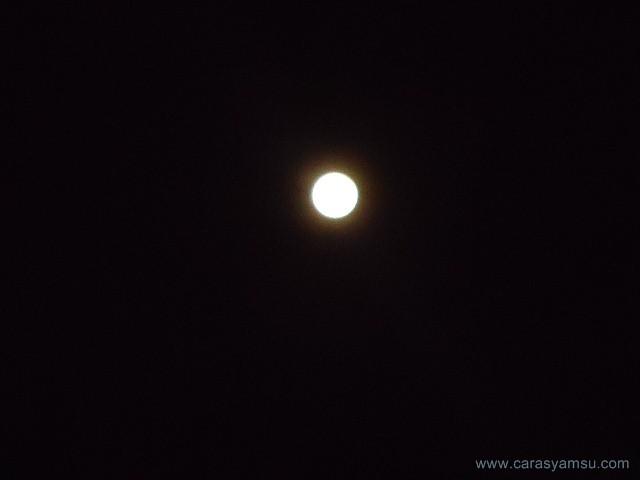 Pemandangan Indah Bulan Purnama