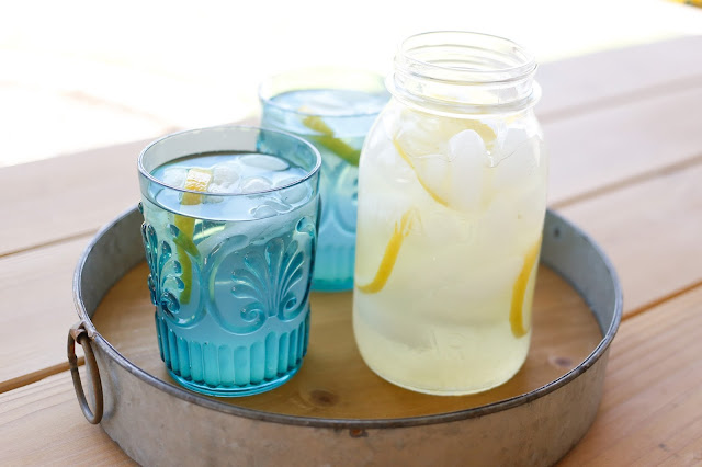 Sugar Free Lemonade - get the recipe at barefeetinthekitchen.com