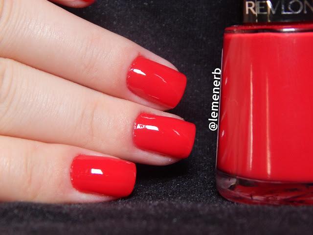 nail red revlon