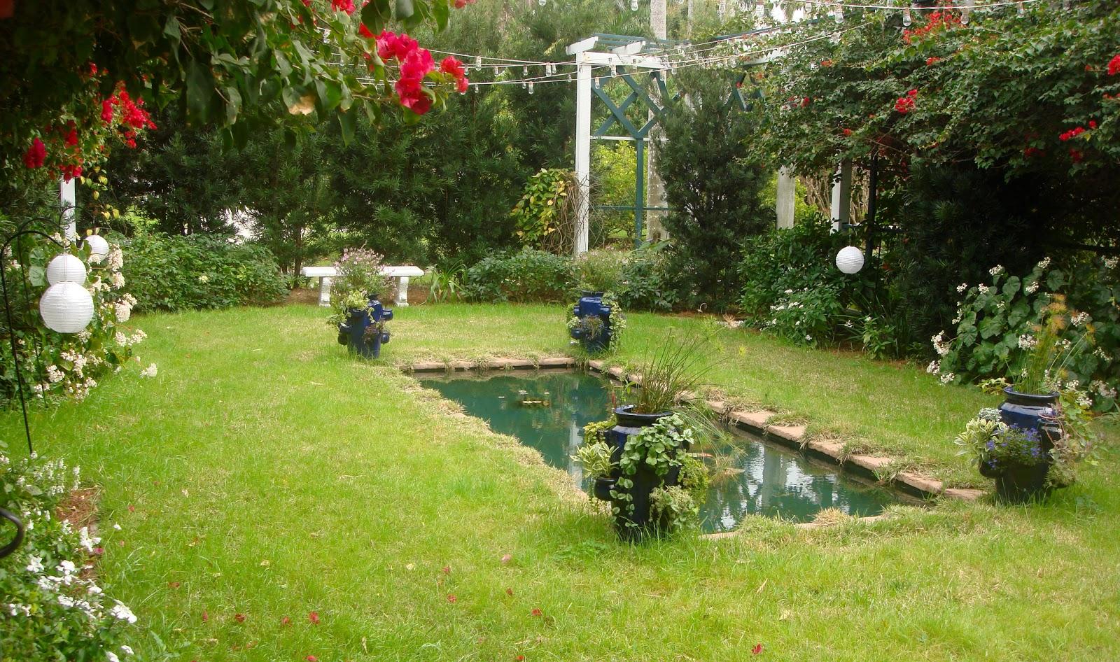 The back quarter acre midwinter moonlight gardens - Disenos de jardines de exteriores ...