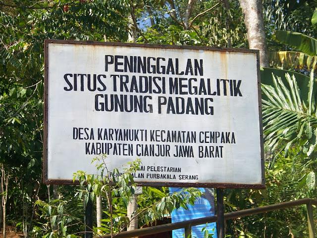 Situs Megalit Gunung Padang