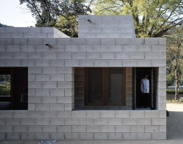 Arquitectura de casas minimalismo m nimo en una casa for Cinder block homes cost