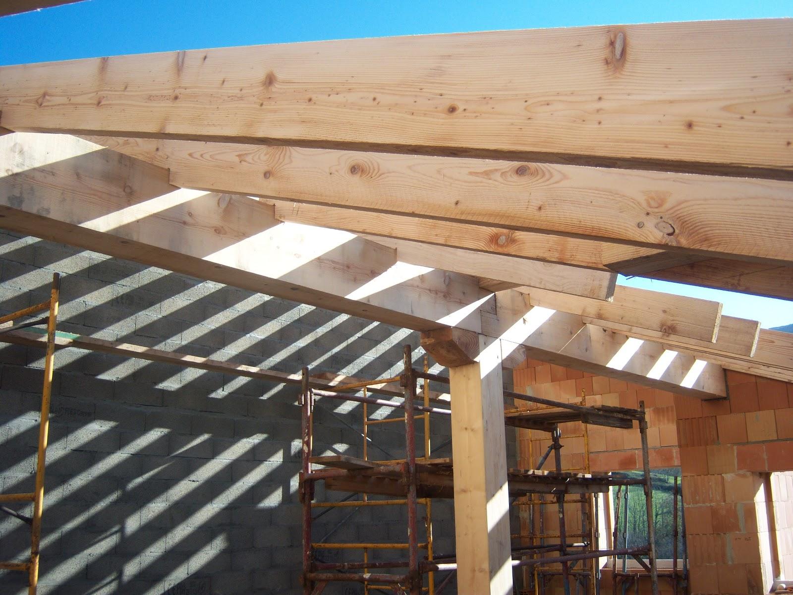 Andocarpinteando tejado con aislante de fibras de madera for Tejados de madera barcelona