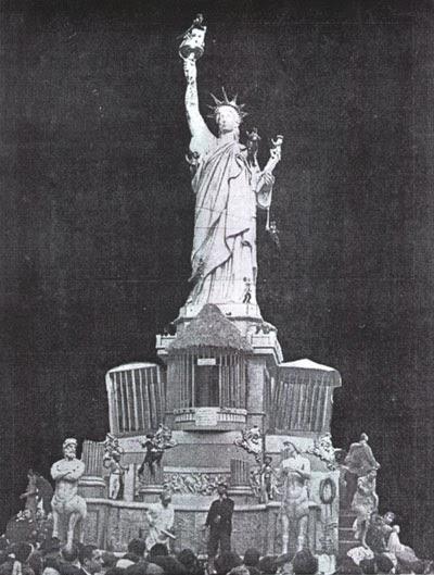 http://www.4shared.com/download/1ZQL5V37ba/Estatua_Libertad-1957.jpg