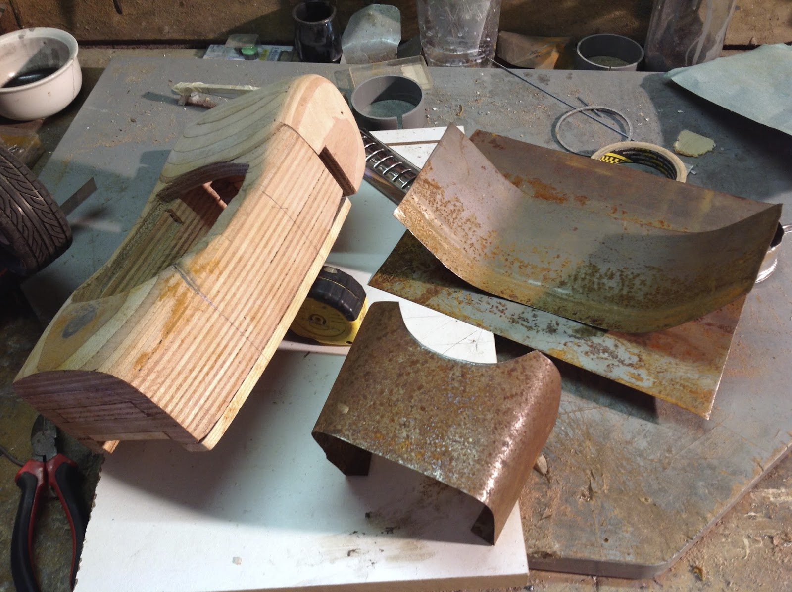 l 39 atelier de christian formage et emboutissage de la carrosserie du rod. Black Bedroom Furniture Sets. Home Design Ideas