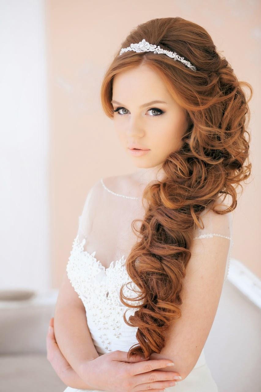 Свадебная прическа на длинные волосы на бок