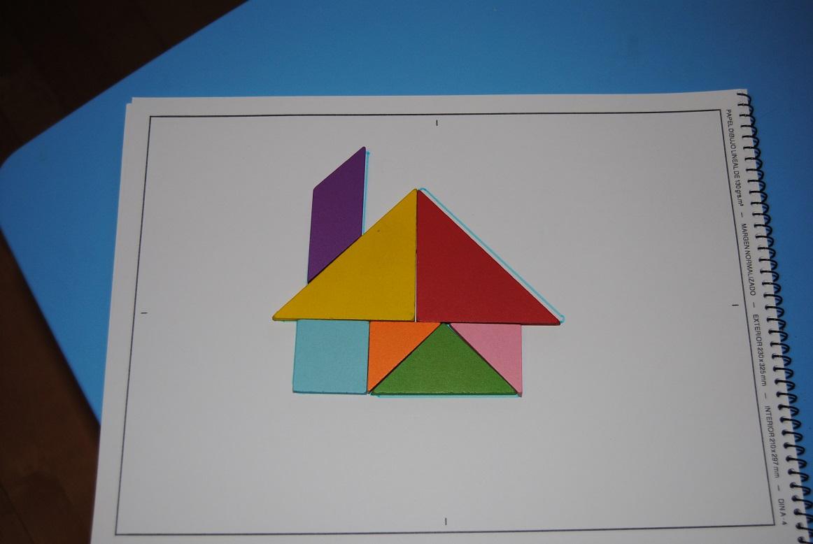 Trastadas de mam jugando con el tangram for Como se disena una casa