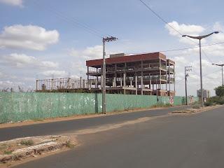 Pequeno residencial em construção próximo ao Mansão Cariri.