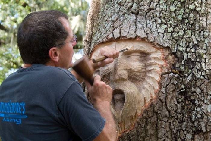 Sculptor Keith Jennings carves wise faces into trees, revealing each wooden tower's inner spirit. Jennings first embarked on his Tree Spirits project back in 1982 when he decided to creatively manipulate a tree in his backyard with a few hand tools. Starting out as a way to kill time on a budget, the artist wound up honing his craft. Jennings was later commissioned to apply his wood sculpting skills on a series of trees throughout St. Simons Island, located right off the coast of the state of Georgia.