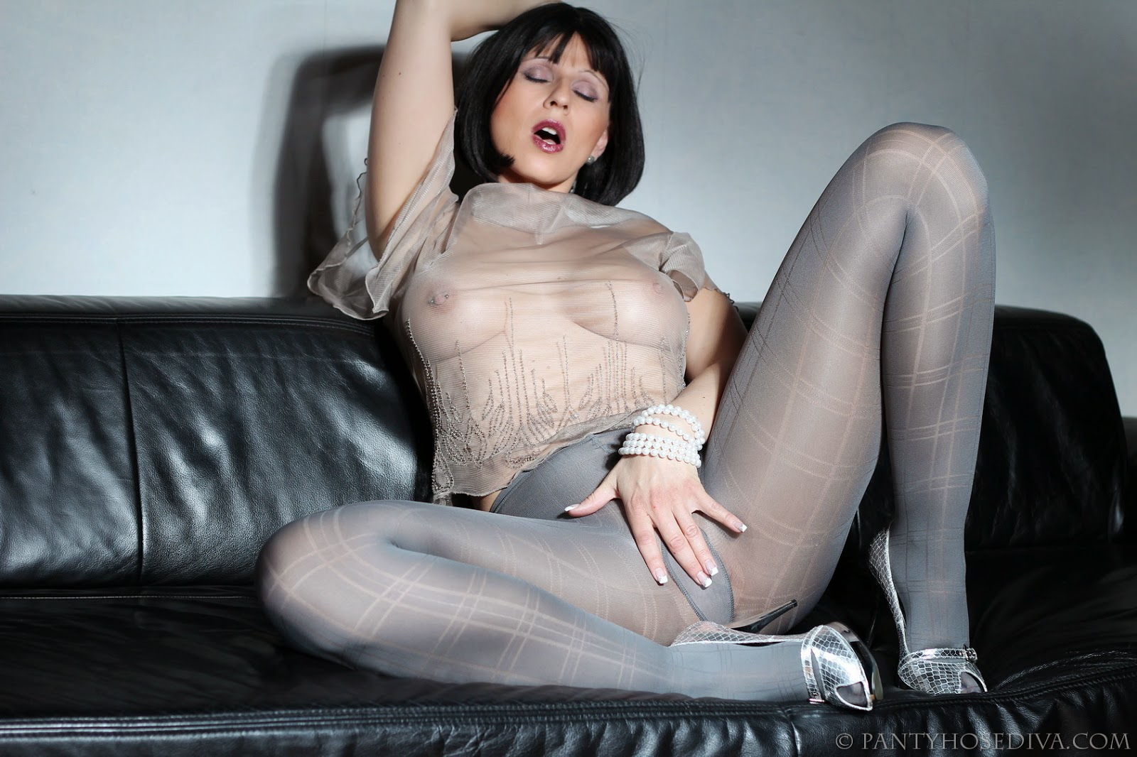 Bit Of Matures And Pantyhose Horny 59