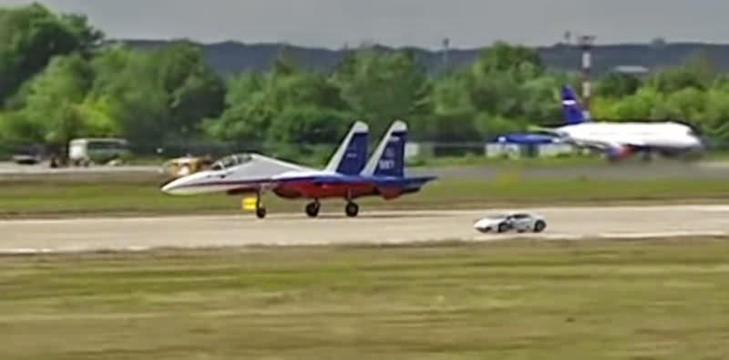 【動画】「ランボルギーニ・ウラカン」と戦闘機がレース対決!
