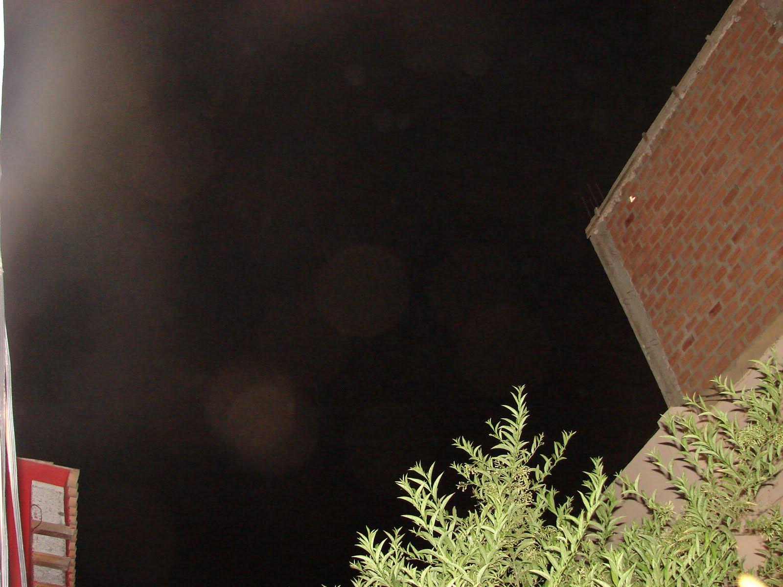 URGENTE-18-marzo-19-20-21-22-23...2011 Ultimos Avistamientos Ovni y mensajes en cielo,rojo,y pared