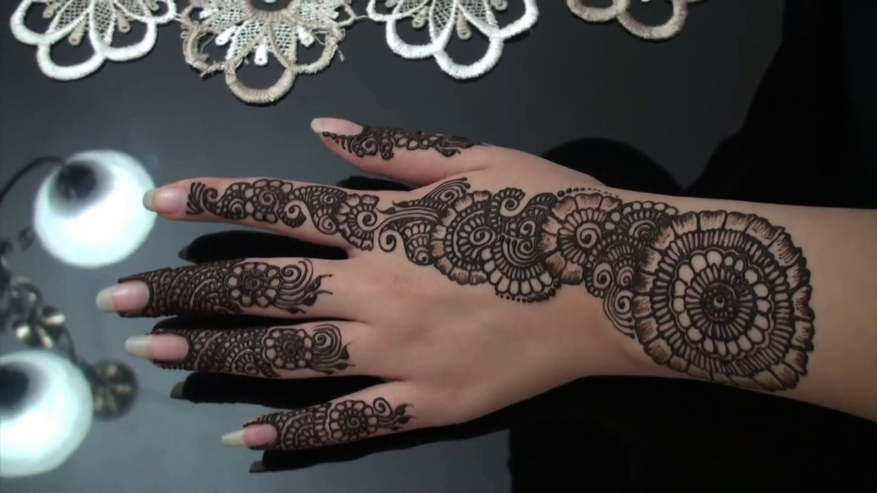 Cute Simple Modern Henna Design New