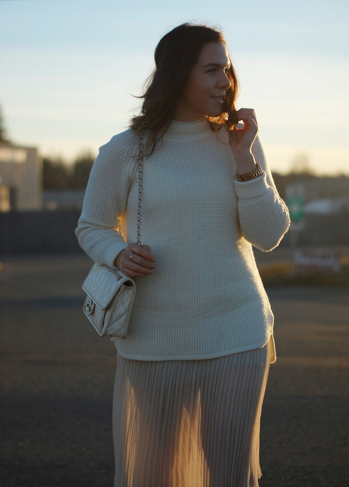 Banana Republic waffle knit sweater and Forever 21 accordion pleat midi skirt