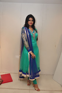 Model Shamili in chudidar at cmr event 007.jpg