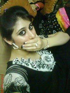 urdu adult stories maine trick sy ap bhen ko choda