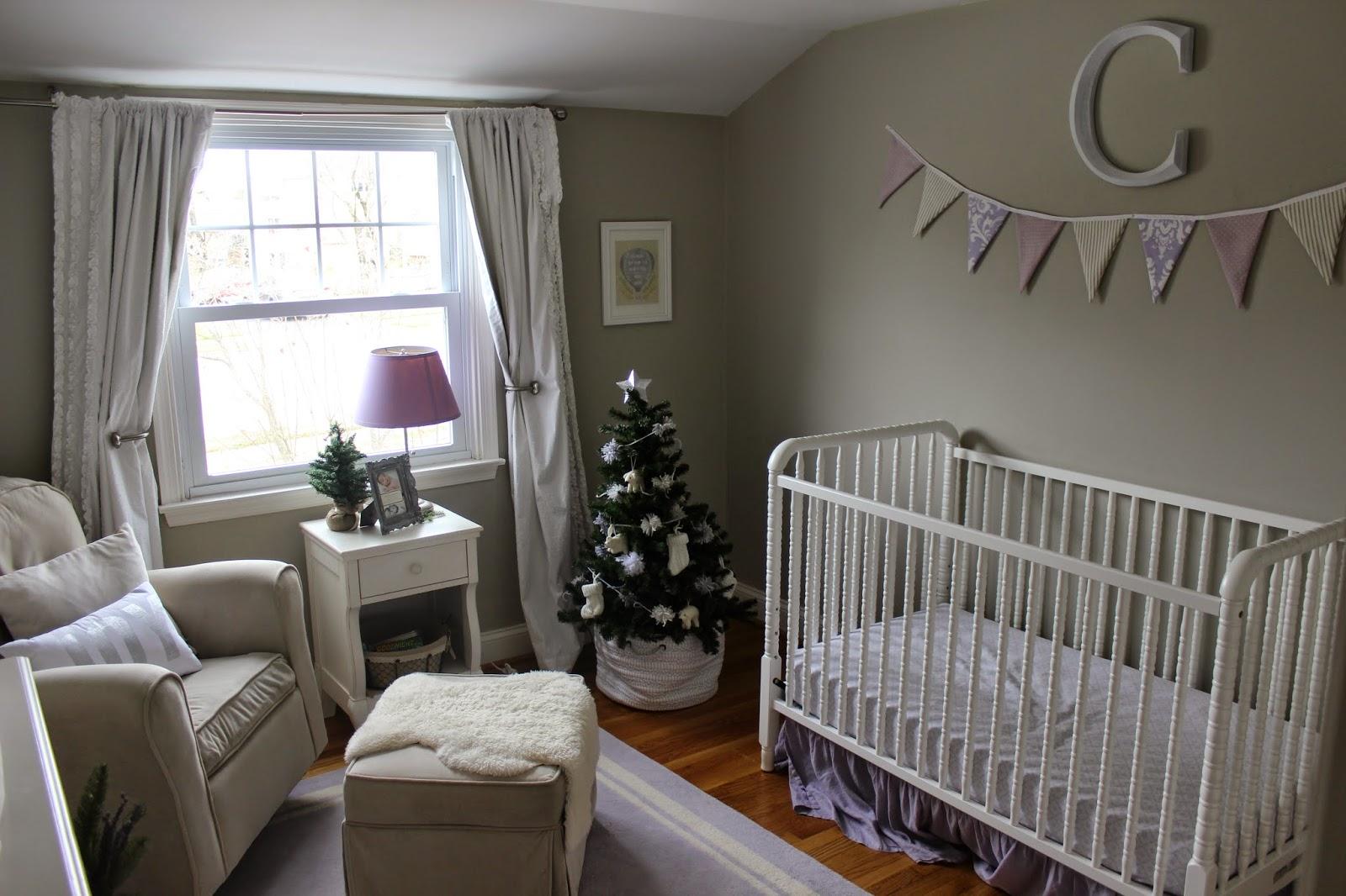 http://texasgirlinphilly.blogspot.com/2014/12/claires-christmas-nursery.html