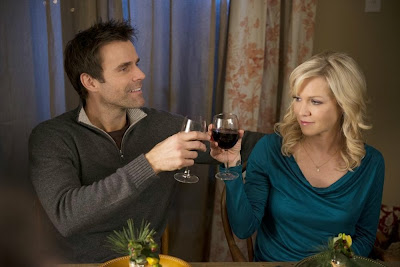 Jennie Garth and Cameron Mathison star in Holidaze on ABC Faily