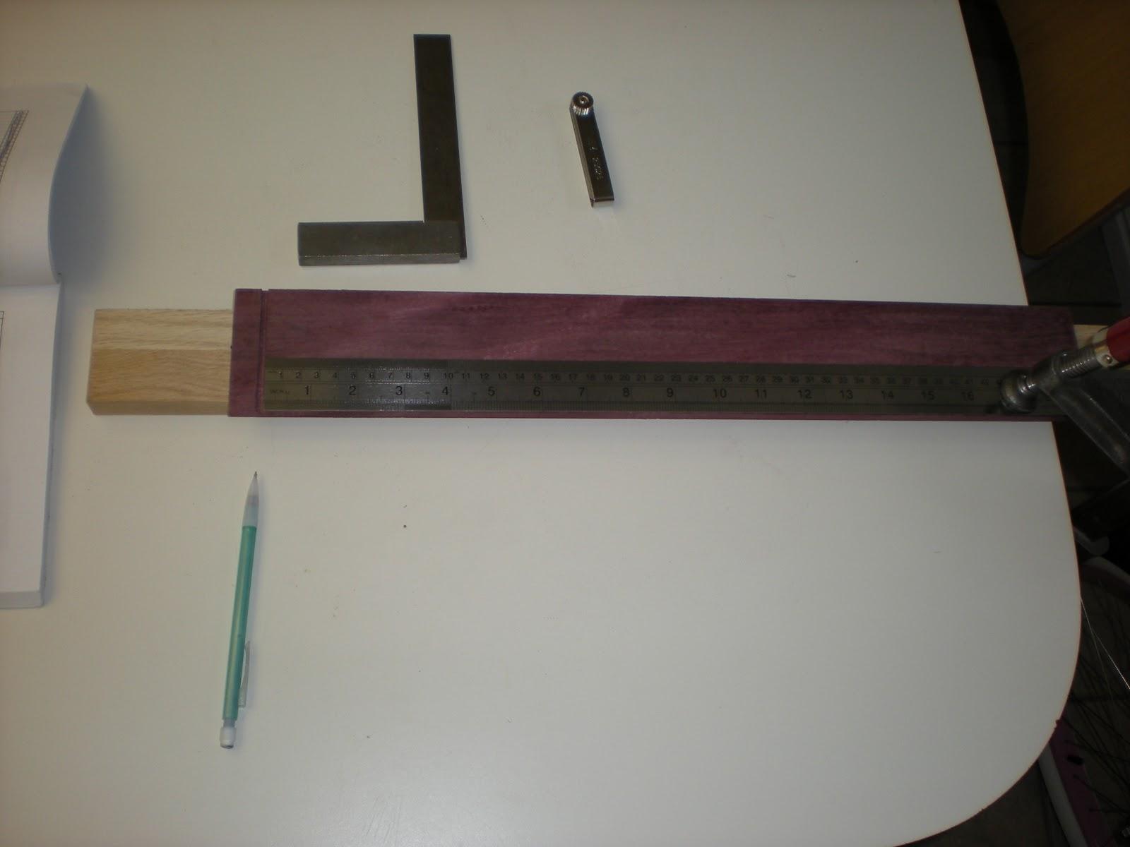Cutting guitar fret slots