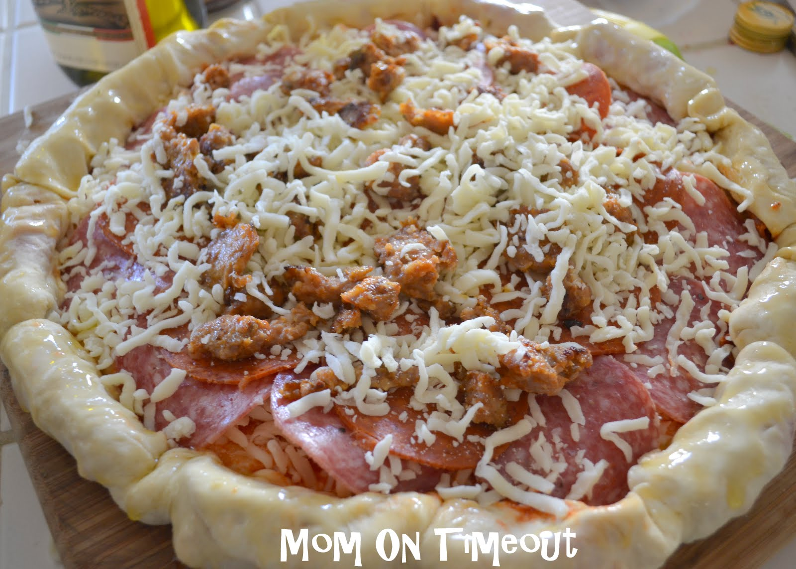 The Ultimate Stuffed Crust Pizza Recipe Stuffed Crust Pizza