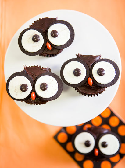 Owl Cake On Top Of Another Cake