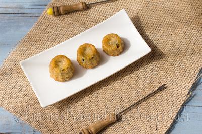 cannelés di farro con olive e pinoli - fast n' easy