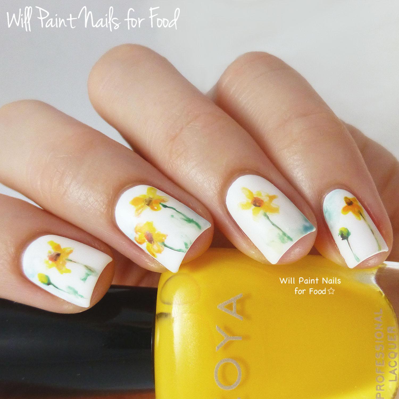 Daisies Nail Art