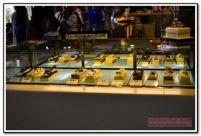 長條蛋糕區