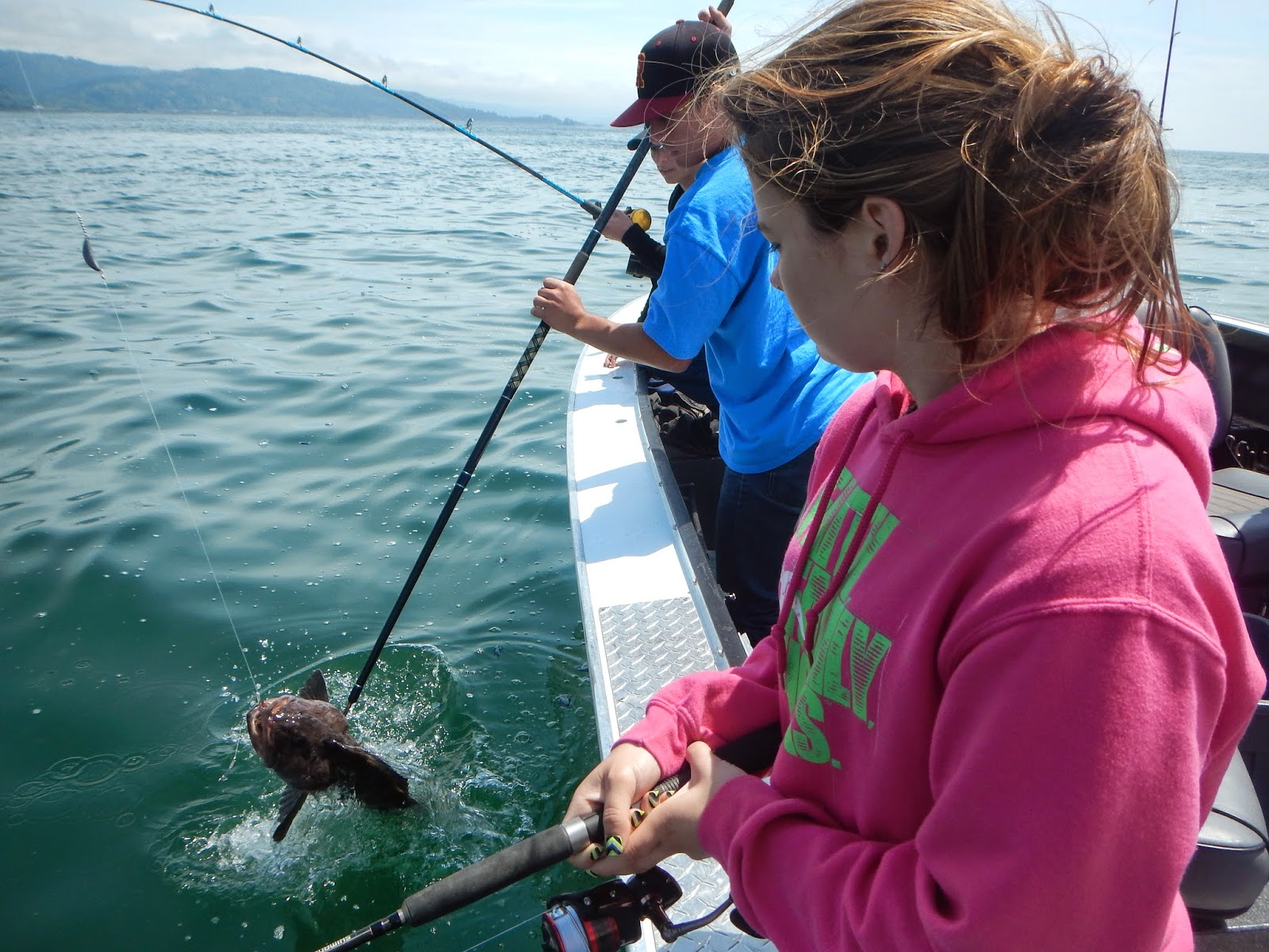 Brookings oregon fishing charters may 2015 for Fishing brookings oregon
