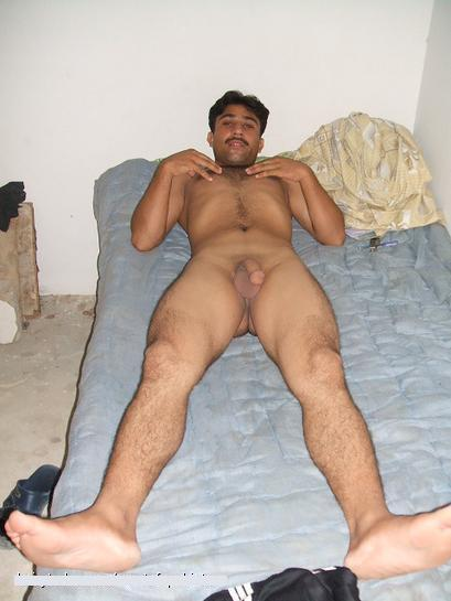 naked hairy pakistani guy