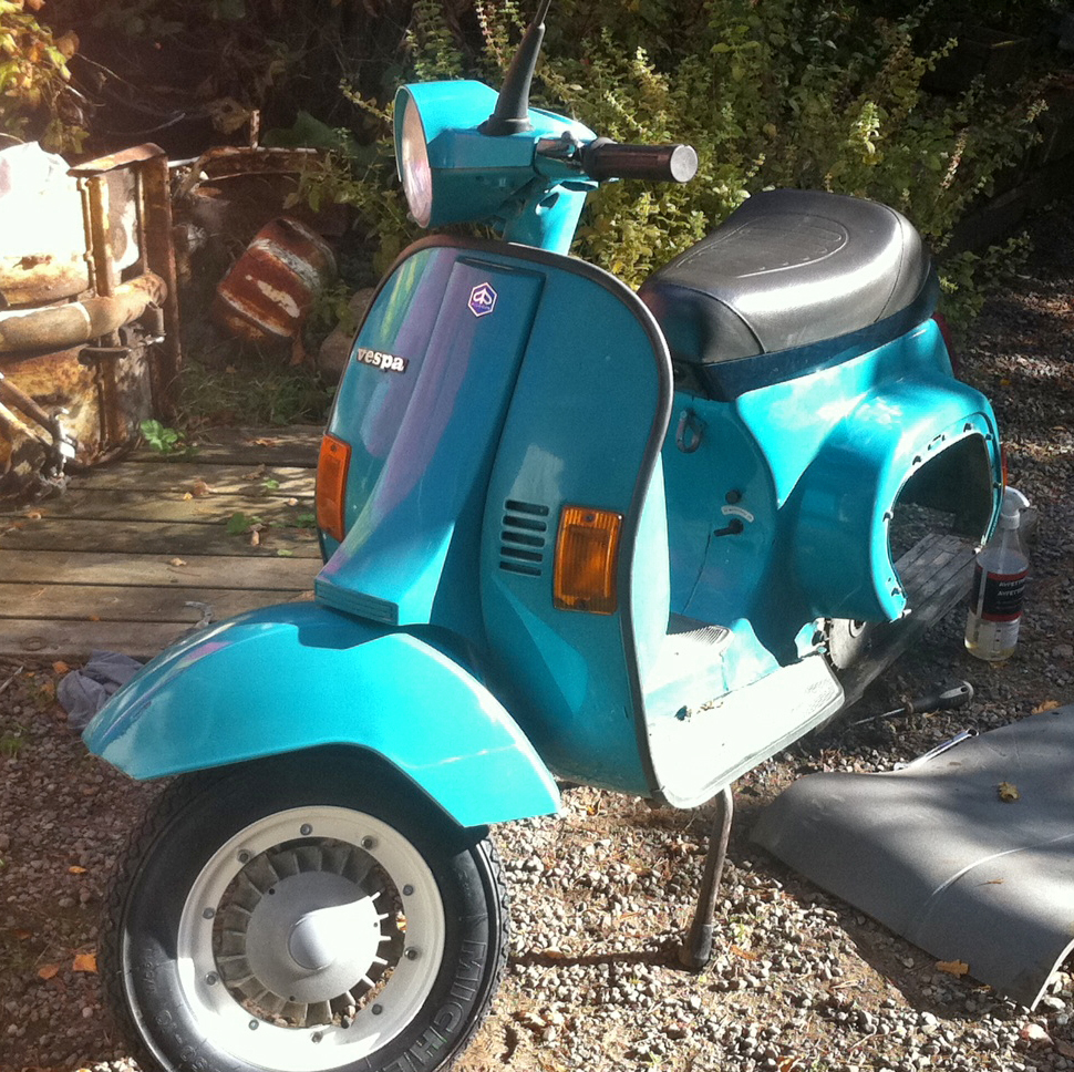 my vespa story pk 50 xl gets new rims. Black Bedroom Furniture Sets. Home Design Ideas