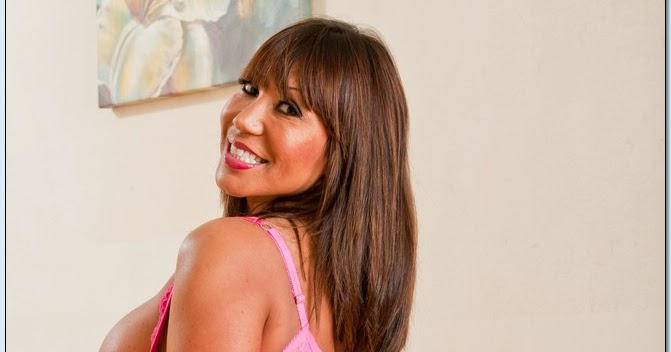 ava devine friends mom