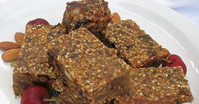 Quinoa Nut and Fruit Protein Bars