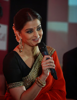 Aishwarya Rai Stunning In Saree Launch Of Umbilical Cord Stem Cell Bank Lifecell In Mumbai