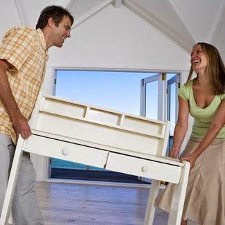 cambiar los muebles de lugar para decorar tu casa