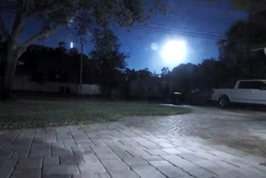 Bright meteor explodes over the Gulf of Mexico turning night into day