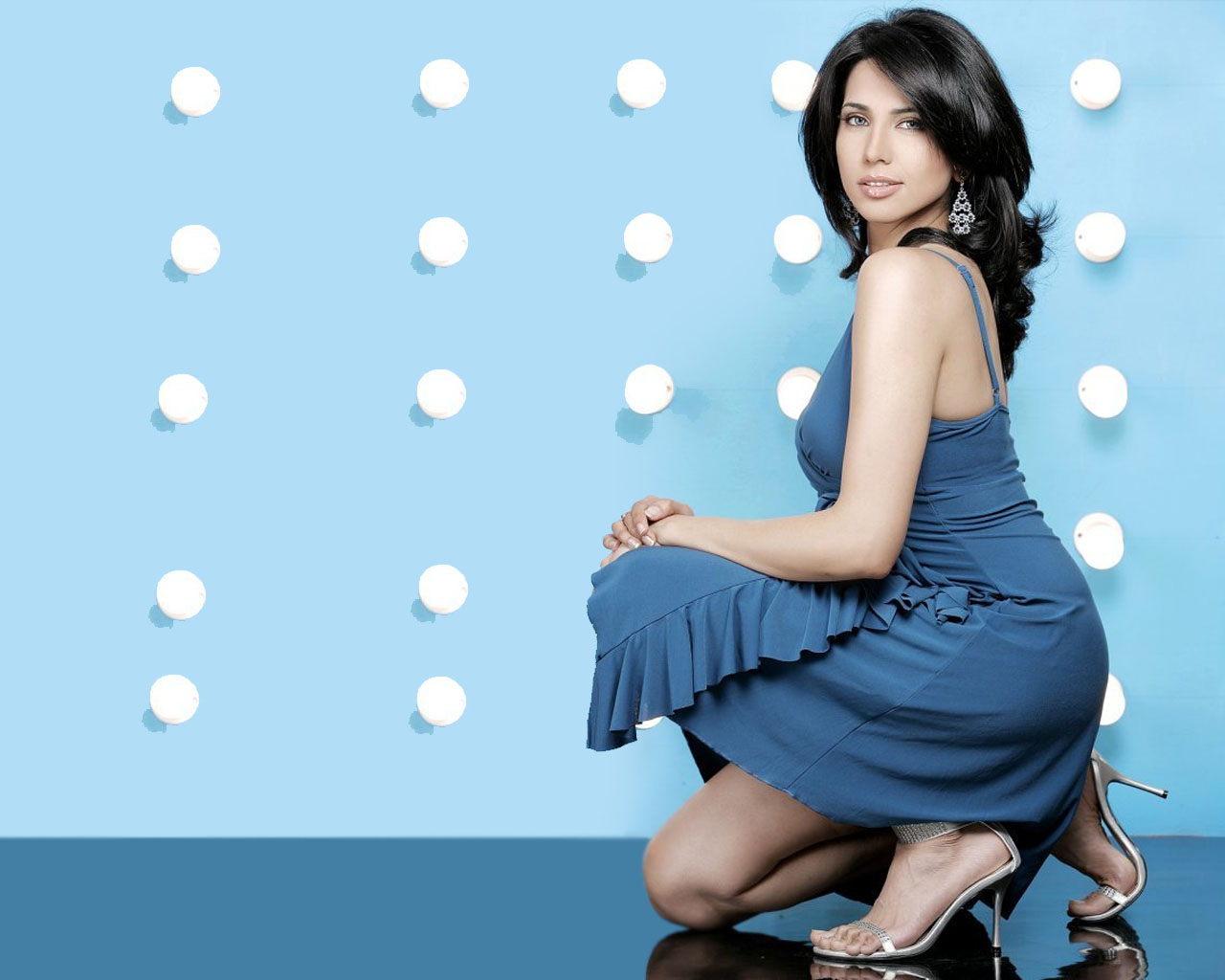 Sophie Thompson (born 1962),Radhika Chaudhari Hot pics & movies Rebecca Gayheart,Sascha Raeburn