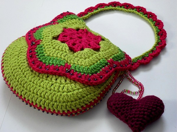 New Crochet Bags : New Crochet Patterns and Golden Rum Cake!
