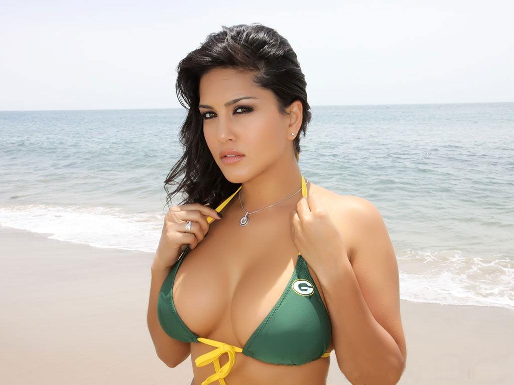 http://1.bp.blogspot.com/-vme47HAmMm4/Tgq89nV6MAI/AAAAAAAABqM/R2g2kcSaWrQ/s1600/sunny-leone-super-model.jpg