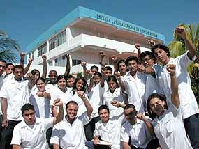 CUBA FECHARÁ 2011 COM 22 MIL MÉDICOS ESTRANGEIROS