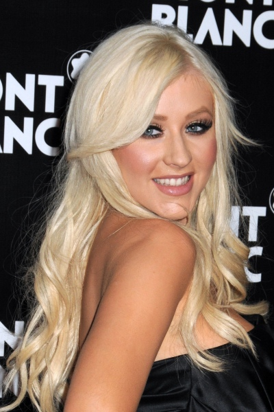 christina aguilera haircut. christina aguilera hairstyles