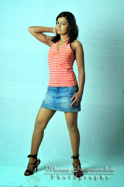 sl model mini denim skirt